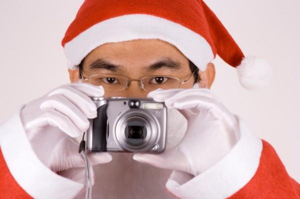 Choosing Digital Camera as a Gift For Christmas 2010