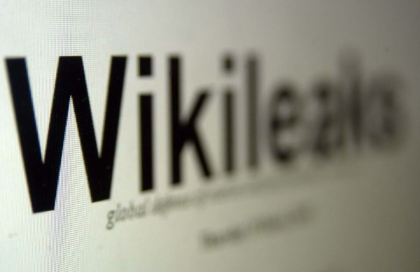 How to Help Minimizing Attacks on Wikileaks Without Breaking the Law?