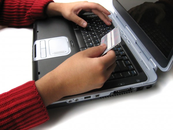 Top Ten Online Shopping Safety Tips that Keep you Secure While Buying on the Internet