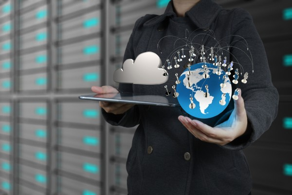 4 Reasons to Store Your Mobile Data in the Cloud