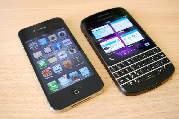 iPhone vs Blackberry: Which One Should You Choose?