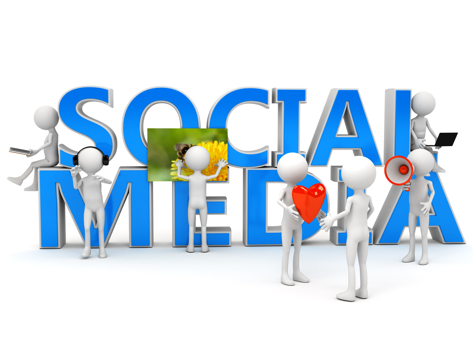Making Social Media Marketing Feasible with Content Suggestion Tools