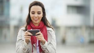 woman-mobile-app