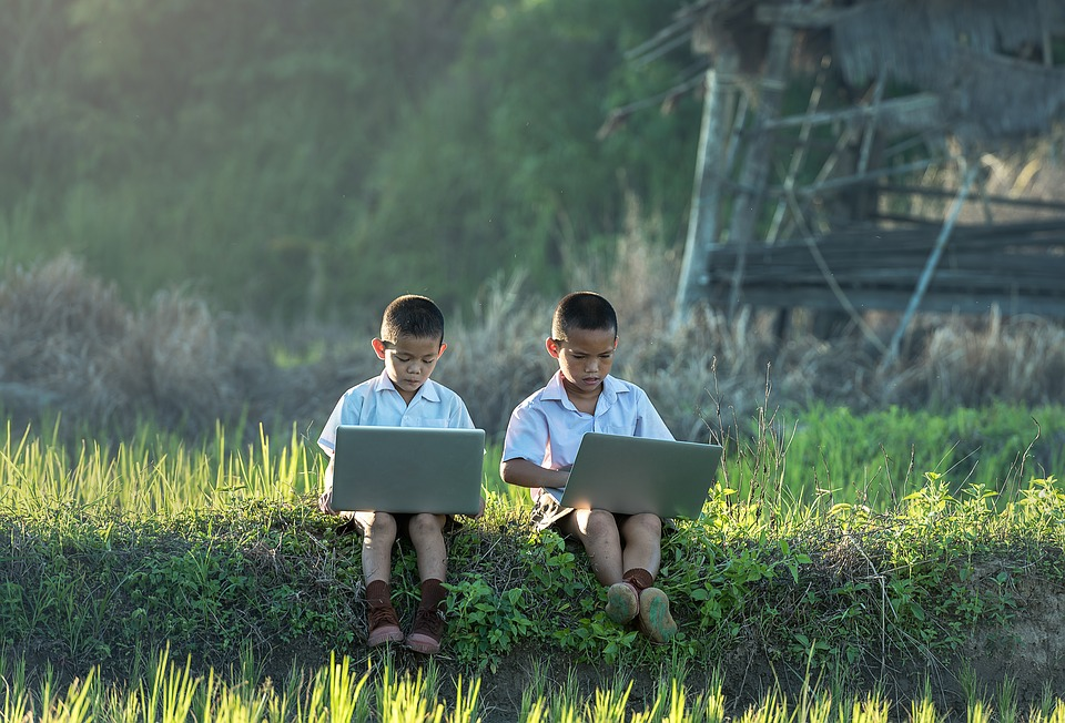 The Complete Guide For Kids To Stay Safe Online